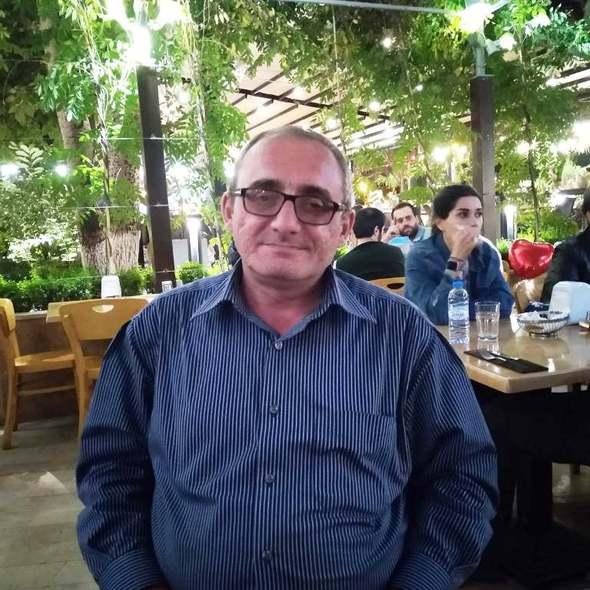Դավիթ Գրիգորյանի նկարը SENYAK.am կայքում
